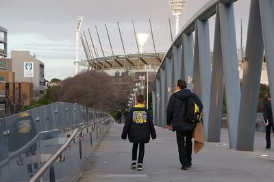 Richmond fans walking to the MCG. Photo: Mark Heath (CC BY-NC 2.0)