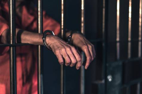 """COVID-19 could """"spread like wildfire"""" in prisons"""