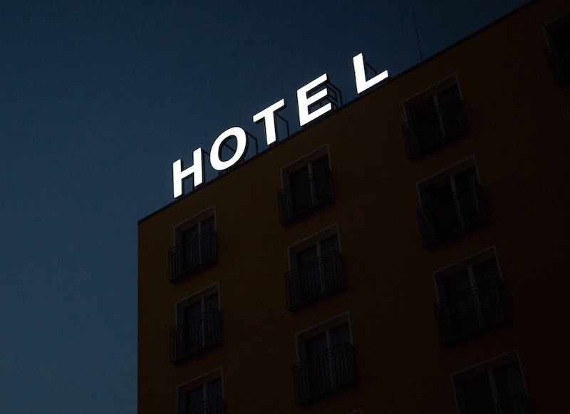 Hotel+Sign.+Photo%3A+Ana+Vieyra+%28Unsplash%29