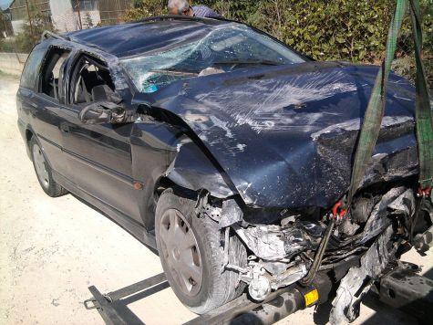 A rolled over car. Photo: La Cara Salma  https://commons.wikimedia.org/wiki/File:Car_crash.jpg (CC BY-ND)