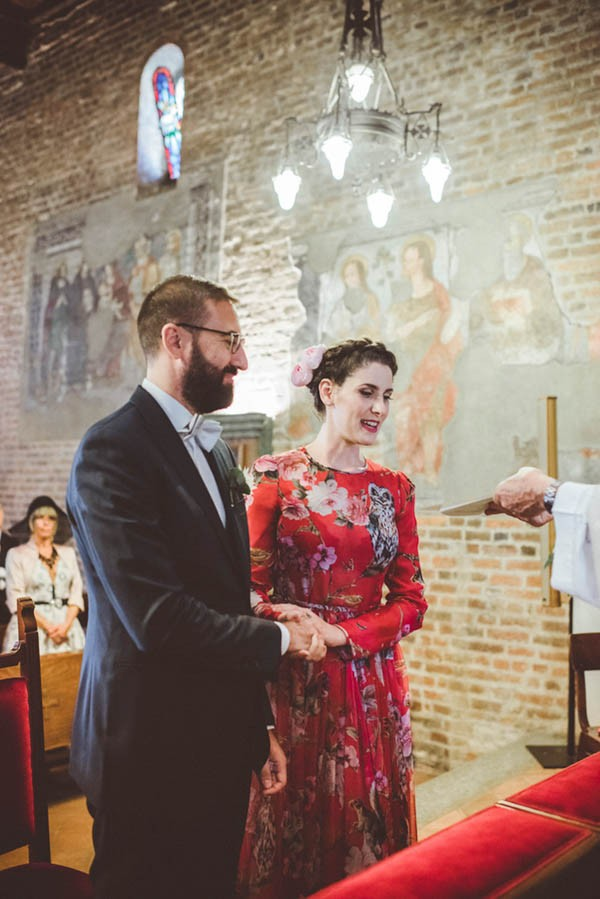Forget White This Bride Wore A Red Dolce Amp Gabbana Dress