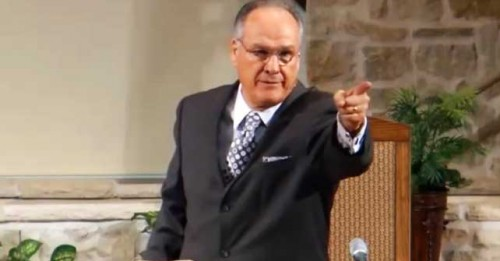 Watch Baptist Preacher Insult His Congregation Mid-Sermon (VIDEO) | June's Journal