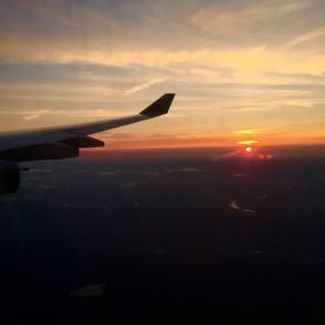 Kurz vor der Landung verabschiedet sich die Sonne von uns.