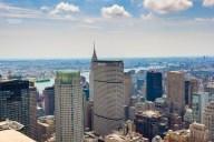 http://junghahn24.com/es-geht-hoch-hinaus-top-of-the-rock/ Gut zu sehen das Chrysler Building.