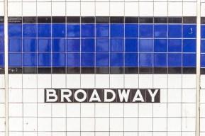 Die Subway Station am Broadwy https://junghahn24.com/frueh-aufstehen-fuer-eine-alte-dame-freiheitsstatue/ https://junghahn24.com/neue-hoehen-werden-erobert-empire-state-building/