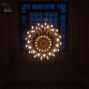 Detailverliebt sind die Lauchter in der Vanderbillt Halle des Grand Central Terminal. http://junghahn24.com/frueh-aufstehen-fuer-eine-alte-dame-freiheitsstatue/ http://junghahn24.com/neue-hoehen-werden-erobert-empire-state-building/