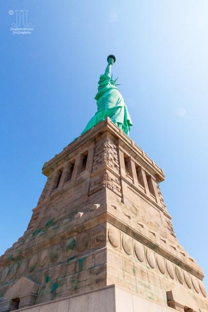 So grüßt die Freiheitsstatue seit nunmehr 129 Jahren ankommende Seefahrer und Reisende.