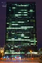 Nachts wird sicher auch viel besprochen und verhandelt. http://junghahn24.com/mit-der-u-bahn-raus-zu-fuss-wieder-rein-brooklyn-bridge/