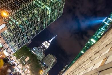In New York ist nachts Licht das wichtigste für die Hochhäuser und Wolkenkratzer.