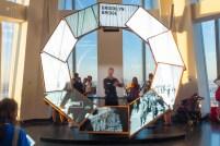 Im One World Trade Center finden - Blickrichtung Norden - wunderbare Shows statt, die einem die Stadt näher bringen.