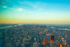 Das Licht wechselt sekündlich während des Sonneruntergang über New York.