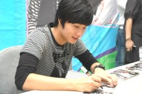 Jung Il-woo 2 CLRide Signing