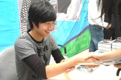Jung Il-woo 3 CLRide Signing