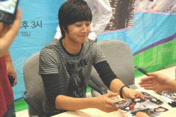 Jung Il-woo 4 CLRide Signing