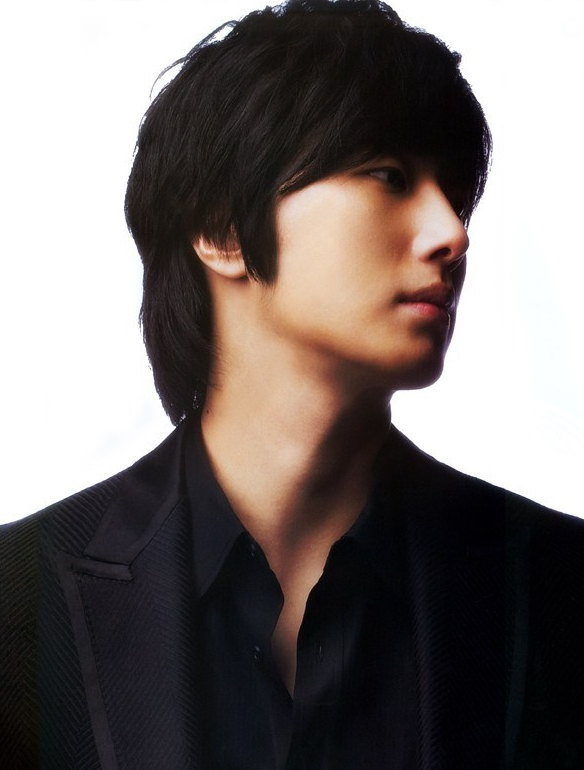 2008 2 Elle Korea 1