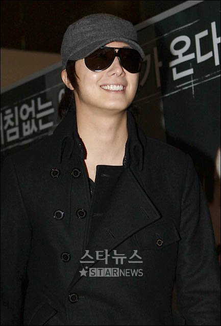 2009 11-27 JIV VIP Flying KIM BUM 7