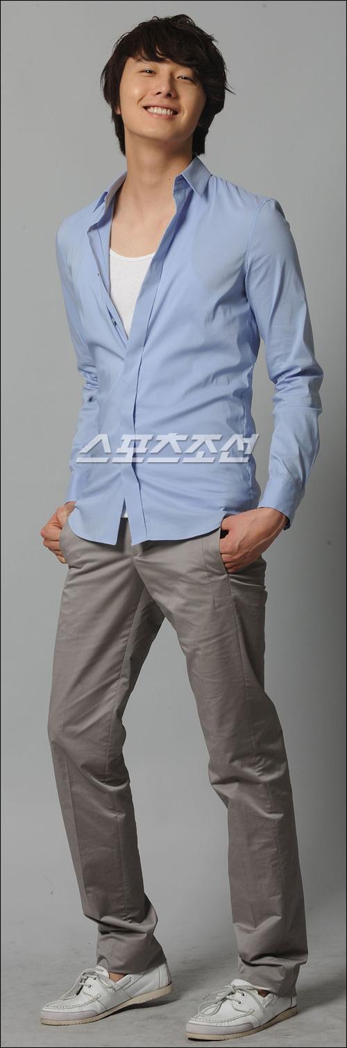 2009 8 11 JIW Another Blue Shirt 26