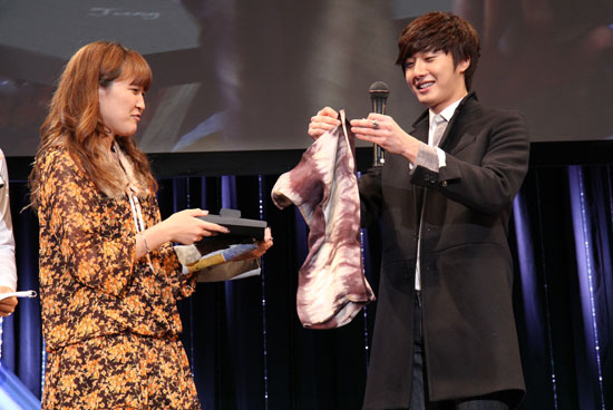 2010 11-7 JIW Japanese Fan Meet 8.jpg