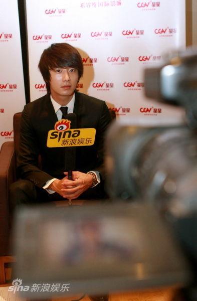 2011 27 Sina Interview 13