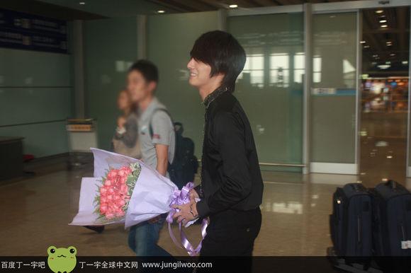2011 8 Travel to China Airport3