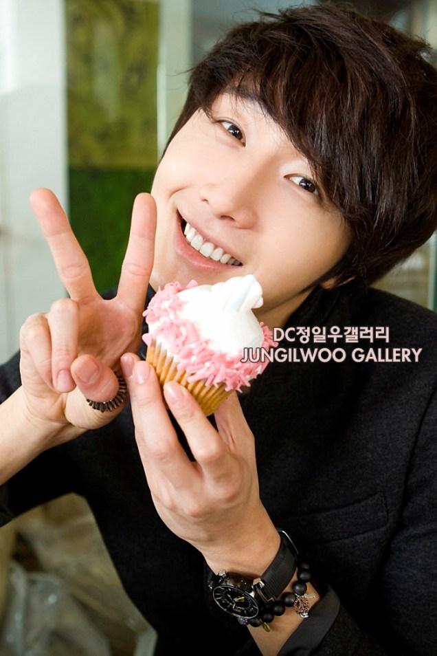 2011 9 27 JIW D Cupcake Photo Shoot 20