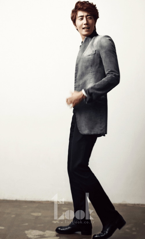 2011 11 Jung II-woo for First Look Magazine 4