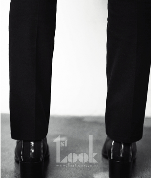 2011 11 Jung II-woo for First Look Magazine 7