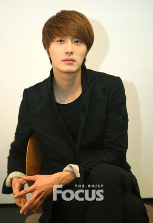 2011 12 10 Jung II-woo for the Daily Focus 00005
