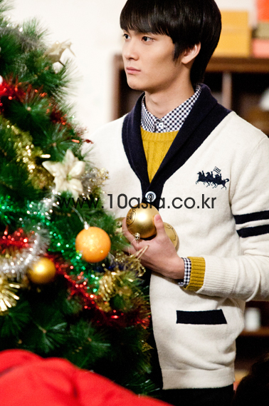 2011 12 19 Jung II-woo in FBRS Ep 15 10Asia Christmas Pictorial00023
