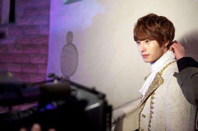 2011 12 19 Jung II-woo in FBRS Ep 15 X00012