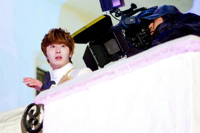 2011 12 19 Jung II-woo in FBRS Ep 15 X00020