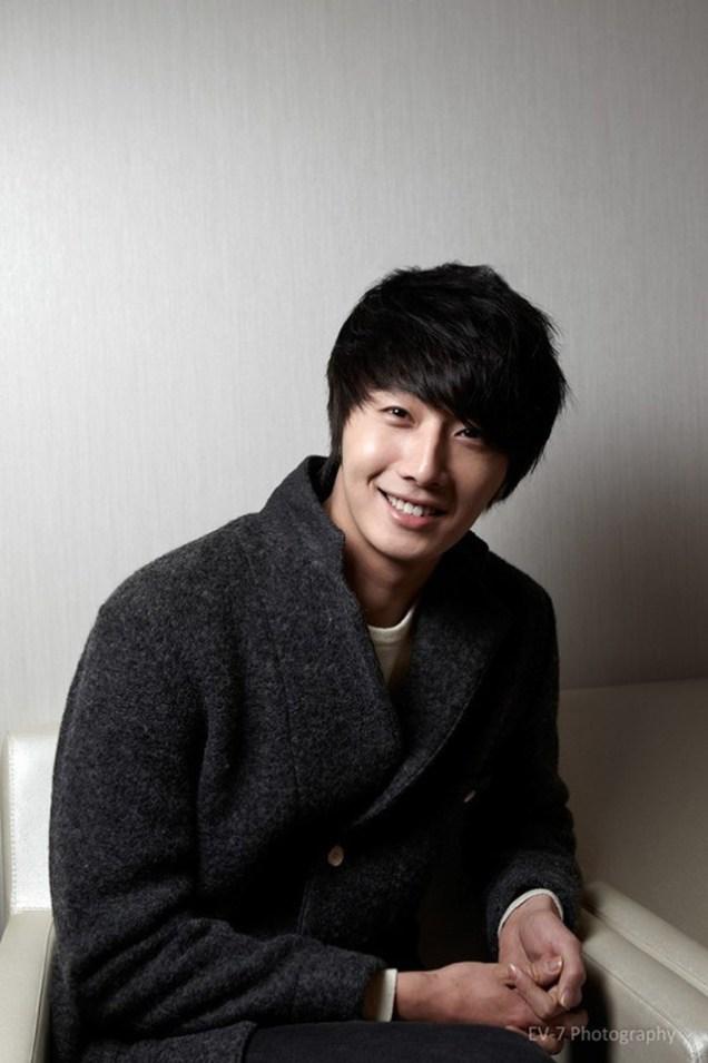 2011 12 26 Jung II-woo for Entermedia 00004