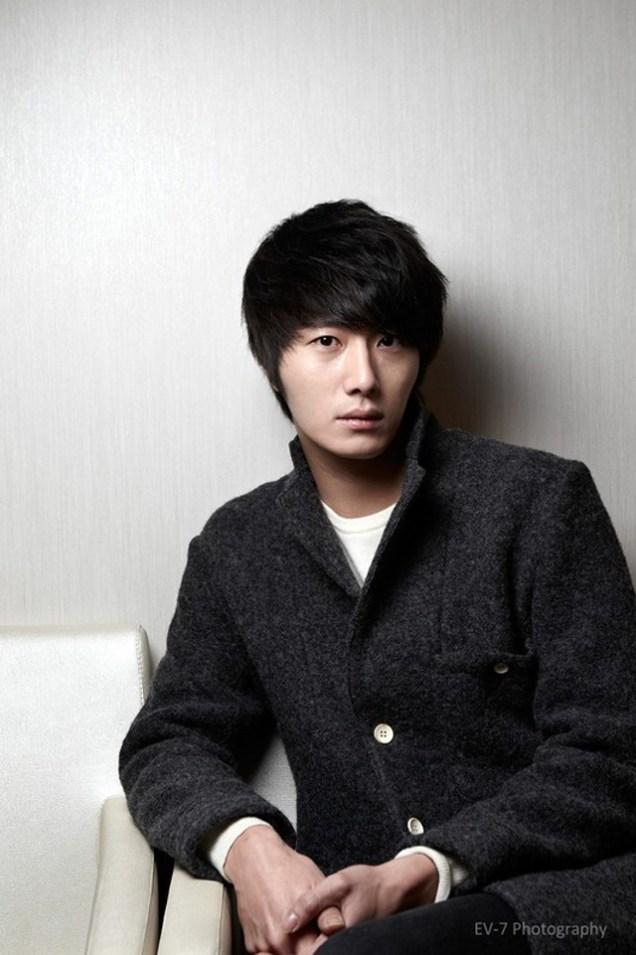 2011 12 26 Jung II-woo for Entermedia 00005