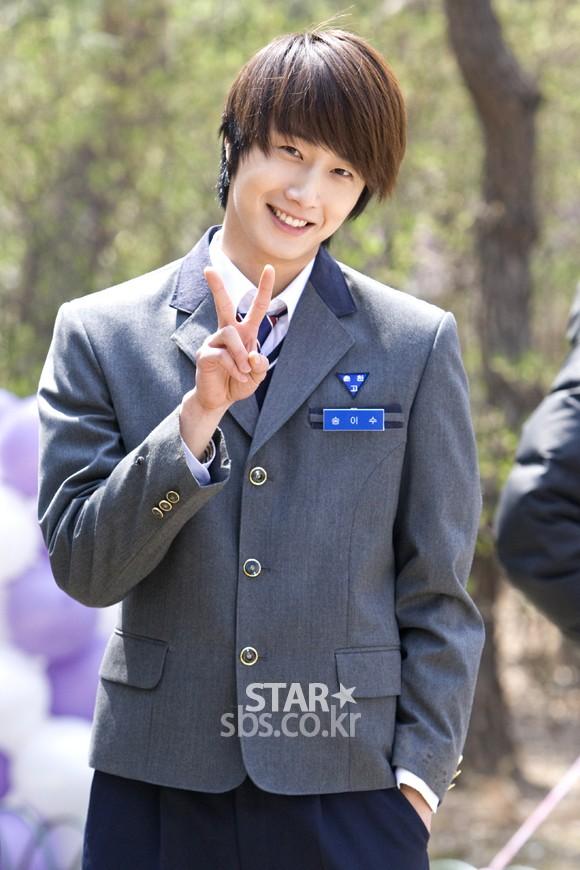 2011 Jung II-woo Final Post00009