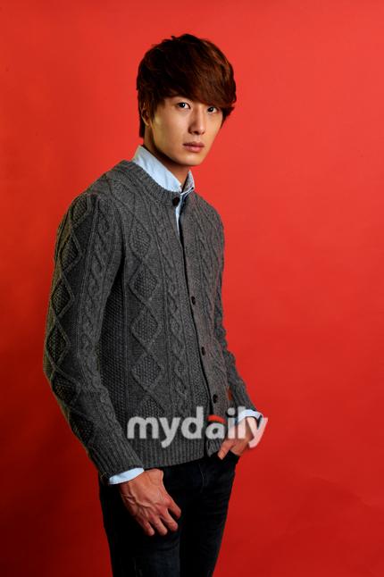 2011 Jung II-woo in UJIWP 00007