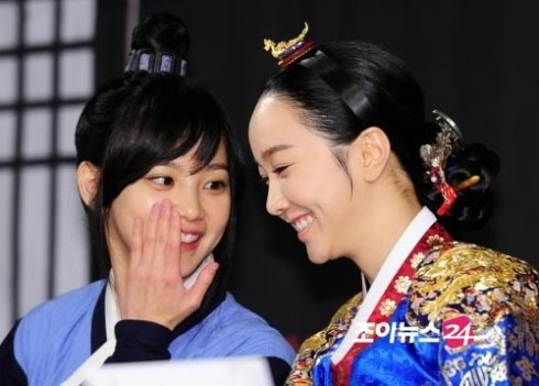 2012 1 2 Jung II-woo in The Moon that Embraces the Sun Press Conference 00051