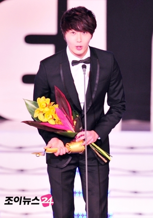 2012 1 18 Jung II-woo in Asia Model Awards 00005