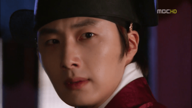2012 2 Jung II-woo in The Moon that Embraces the Sun Episode 13 00034