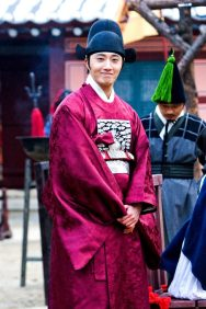 2012 2 Jung II-woo in The Moon that Embraces the Sun Episode 13 BTS 00003