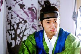 2012 Jung II-woo in The Moon Embracing the Sun Episode 6 Extras BTS 00013
