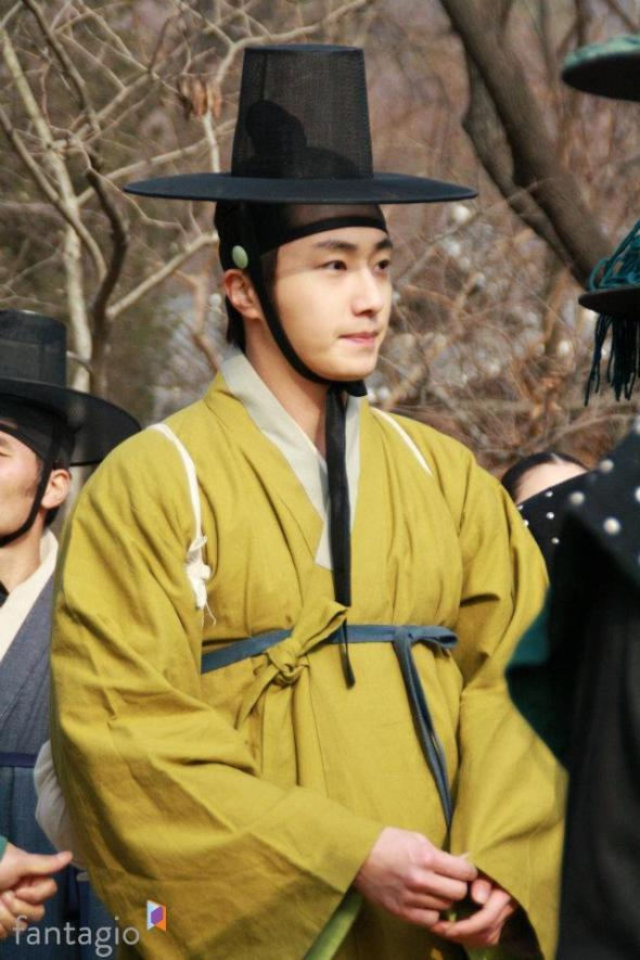 2012 Jung II-woo in The Moon Embracing the Sun Episode 7 Extras BTS 00008