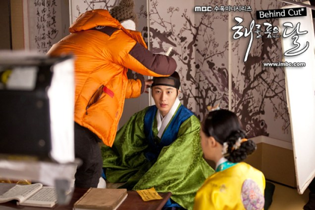 2012 Jung II-woo in the Moon that Embraces the Sun Episode BTS 6 Xtra 00002