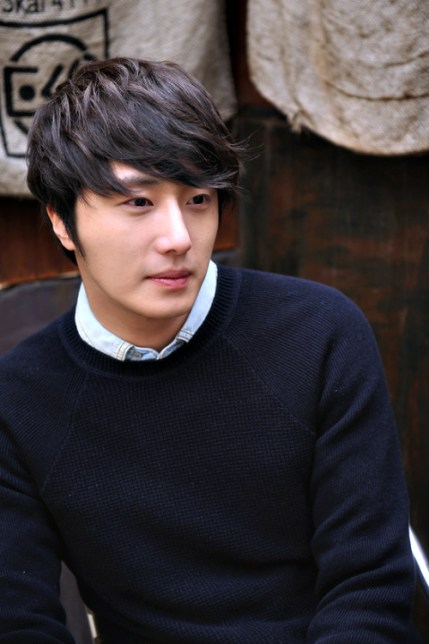 Jung II-woo 2012 3 .jpg