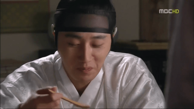 Jung II-woo in The Moon that Embraces the Sun Episode 15 00030