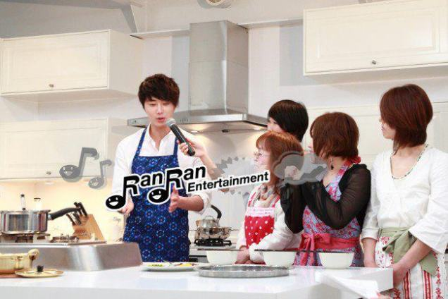2012 3 JIW Jung II-woo in Japan Part 3 Flower Boy DVD Press 00007