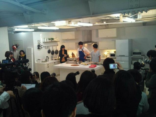 2012 3 JIW Jung II-woo in Japan Part 3 Flower Boy DVD Press 00015