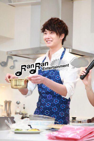 2012 3 JIW Jung II-woo in Japan Part 3 Flower Boy DVD Press 00024