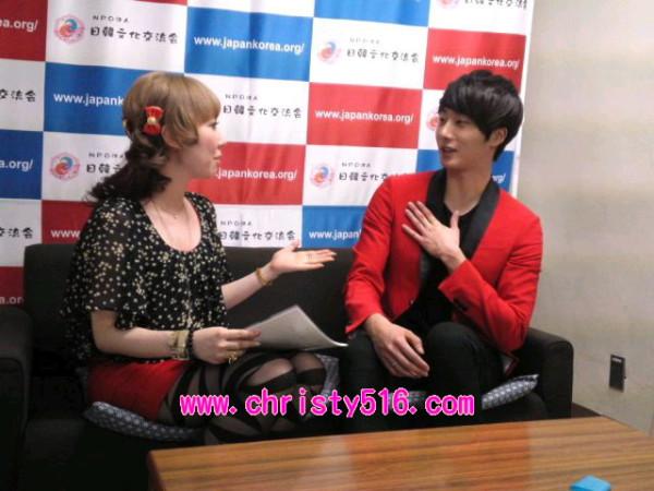 2012 4 10 Jung II-woo at Press Conference Japan00029.jpg