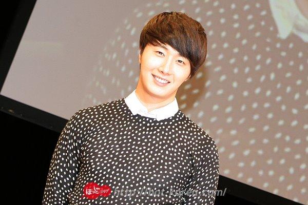 2012 4 8 Jung II-woo at Japan:Korea Festa00004