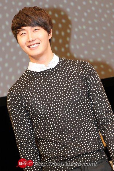 2012 4 8 Jung II-woo at Japan:Korea Festa00016